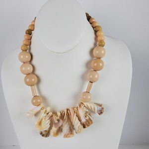Vintage Womens Cream Spiral Sea Shell Necklace